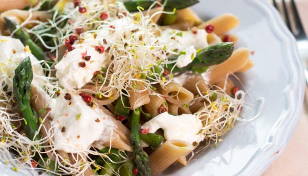 pasta-asparagi-germogli-ravanello